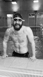 Gernot Eder im Schwimmbecken